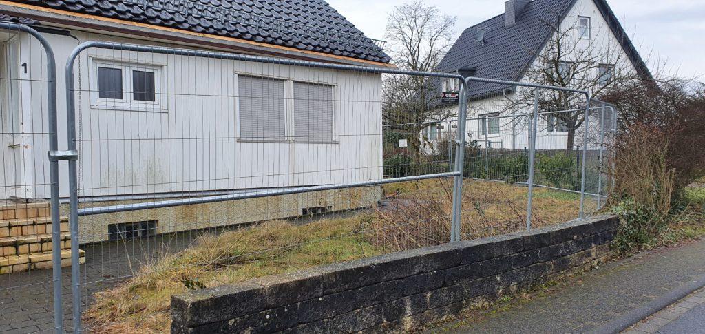 Baustellenabsicherung durch mobilen Zaun