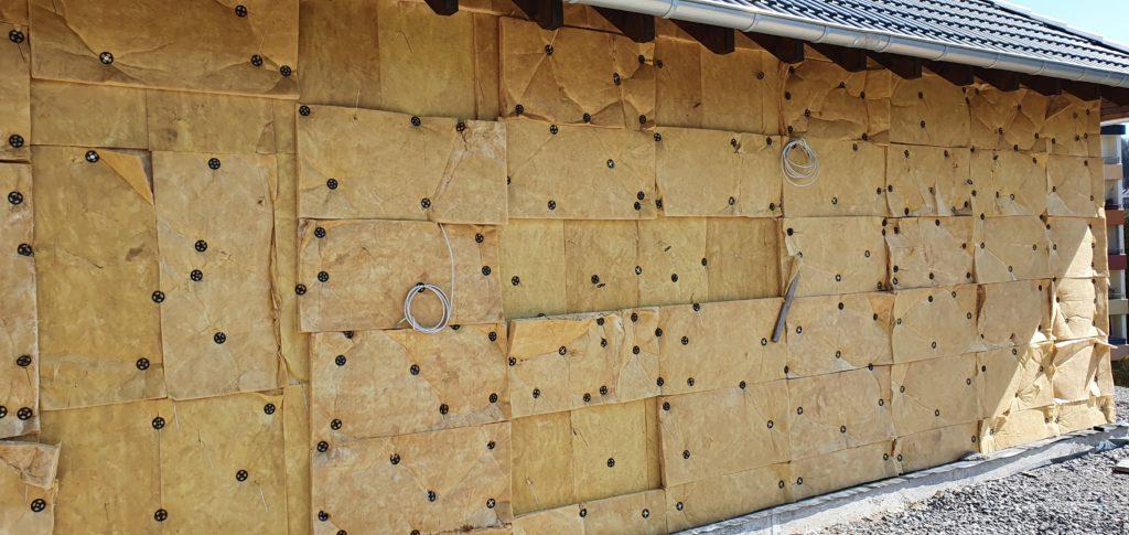 Baumangel Klinker Dämmplatten Kerndämmung Mineralwolle an Hausfassade angebracht Luftschichtanker Mangel