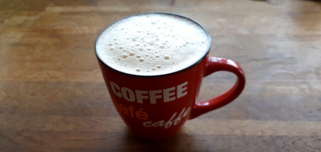 Milchkaffee mit Hafermilch